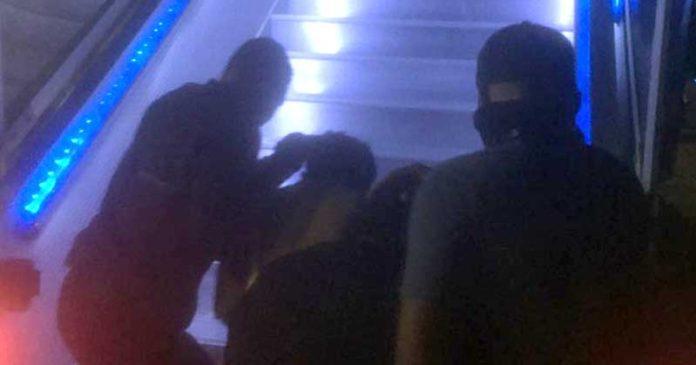 Densus 88 Bawa Sembilan Terduga Teroris ke Jakarta
