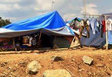 Keluh Kesah Korban Gempa Saat Hujan Turun