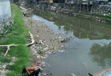 Usaha Sedot Tinja Bikin Sungai Tercemar