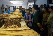Ditantang Bangun Pabrik Rokok