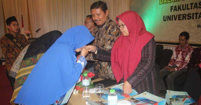 282 Guru Madrasah Terima Sertifikat PPG