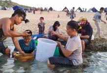 Ribuan Warga Tumpah-ruah di Pantai Selatan