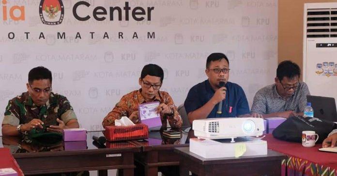 KPU Kota Mataram menggelar rapat koordinasi dengan sejumlah pihak terkait persiapan penerimaan daftar dukungan balon kada jalur perseorangan, beberapa waktu lalu. (AHMAD YANI/RADAR LOMBOK)