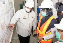 DITINJAU : Wakil Gubernur Dr.Hj. Sitti Rohmi Djalilah saat meninjau pembangunan Rumah Sakit (RS) Darurat Covid-19 pada Rabu (29/7). (ist/)